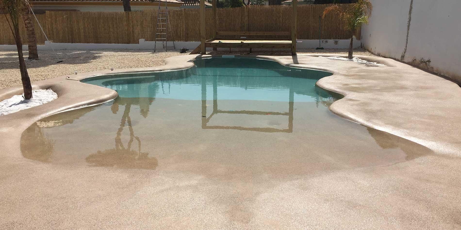 Piscinas en huelva construcci n de piscinas julypool for Construccion de piscinas de arena